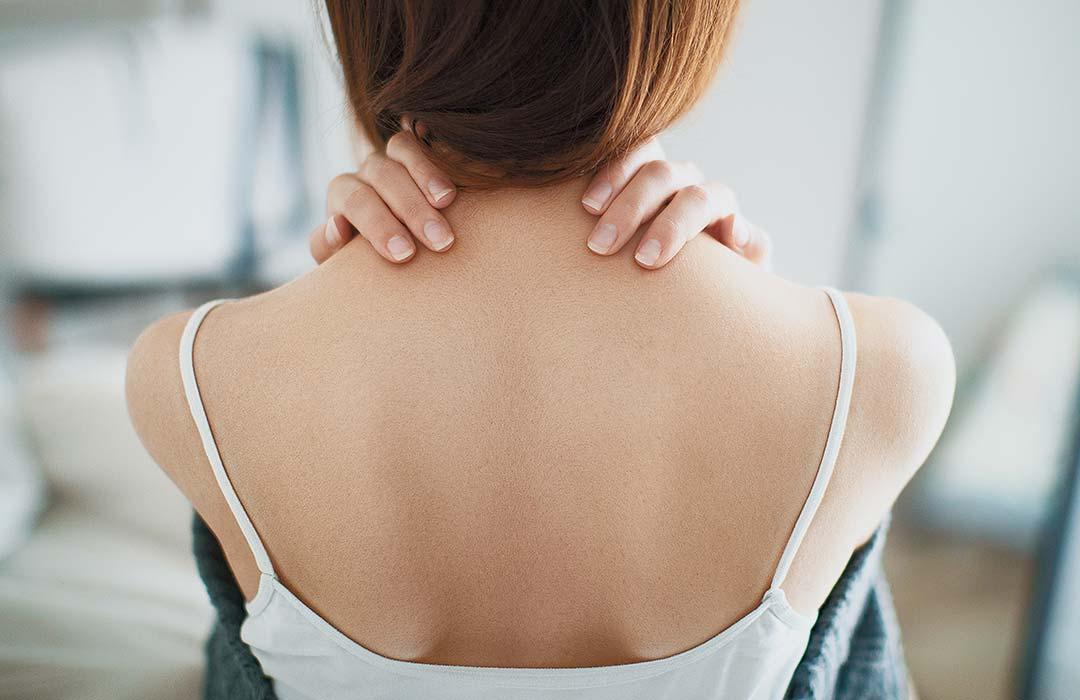 Wenn Nackenverspannungen zu Kopfschmerzen fuehren